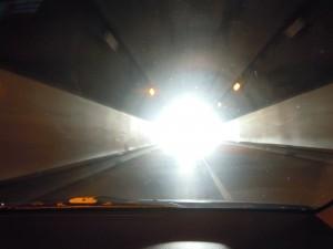 トンネル を抜けると其処は