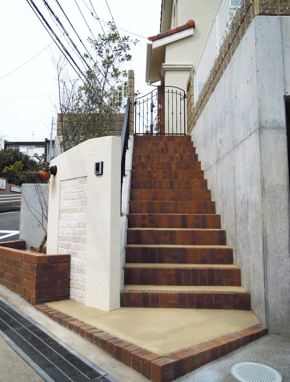 おしゃれな門柱 アプローチ階段 三井ホーム