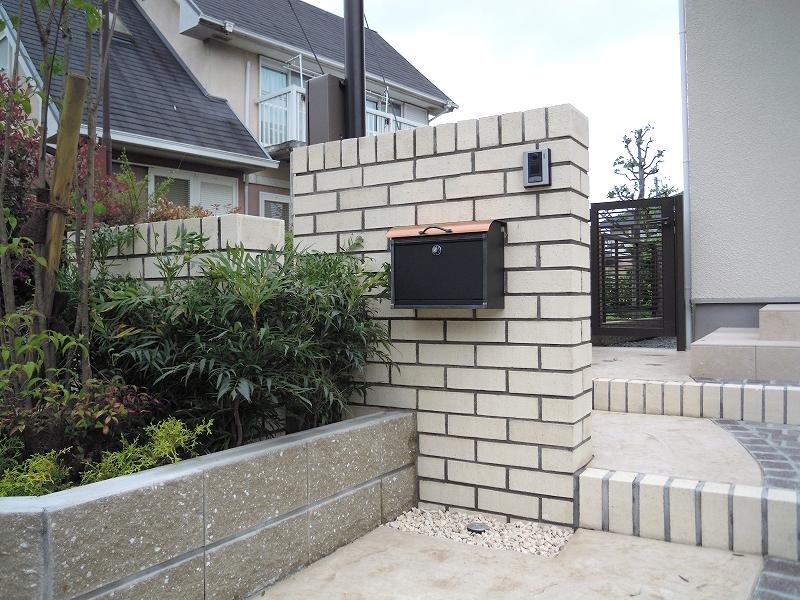 白煉瓦の門柱 三井ホーム ソノマ