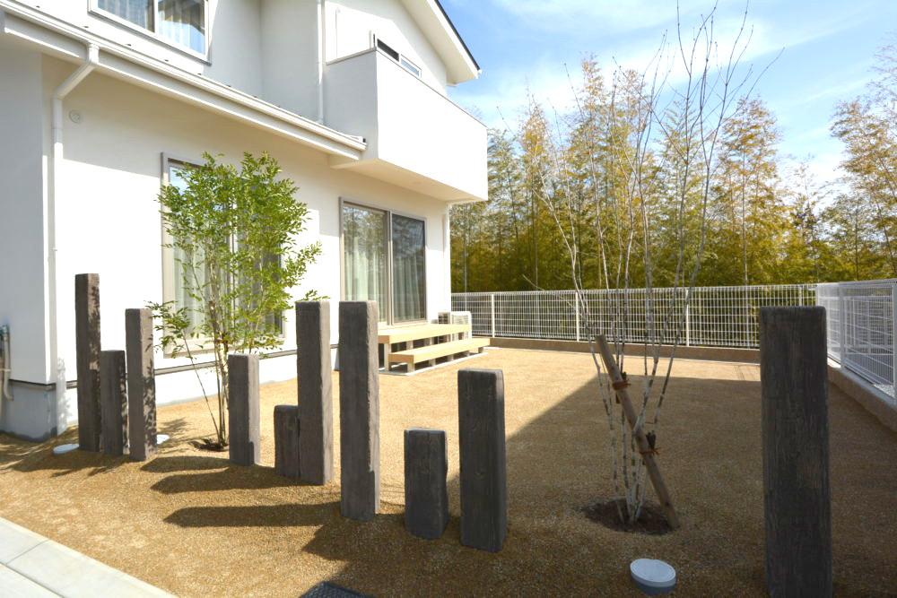 レイルスリーパーラフト 庭のリフォーム 開放的な庭 ドッグラン 犬が走れる庭
