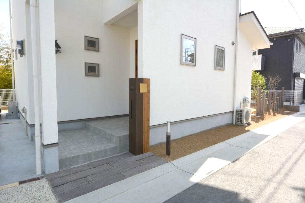 オープン外構 ナチュラル エクステリア 大阪 木の門柱