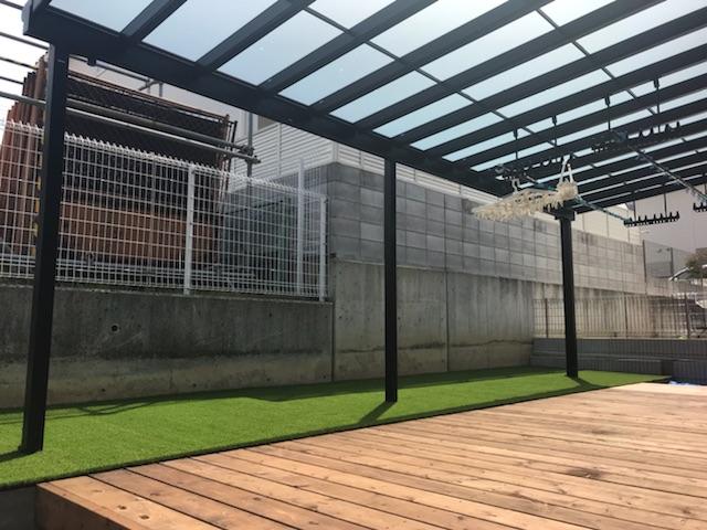 ウッドデッキ テラス テラス屋根 人工芝 庭 外構工事 大阪 エクステリア アウトドアリビング