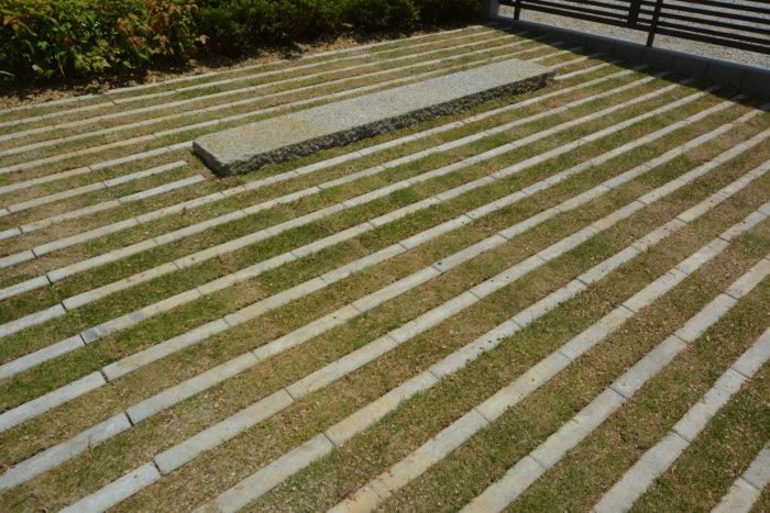 緑化ブロック 芝目地 カーポート