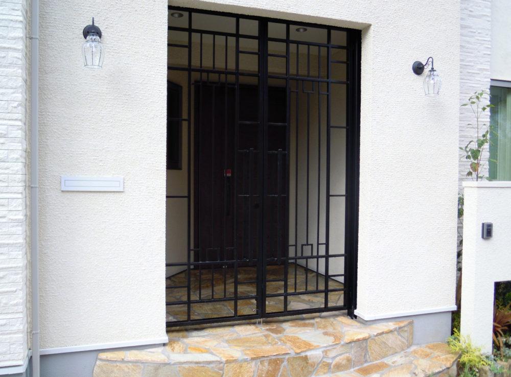 門扉は大和金属工業で特注オーダー