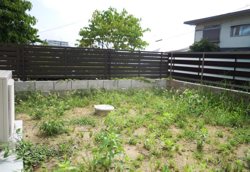 荒れた庭 雑草 庭のリフォーム 庭づくり 外構工事 大阪