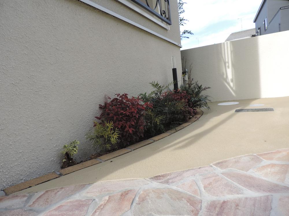 駐車スペースの植栽