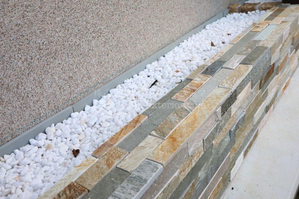 天然石 モザイク貼り 花壇