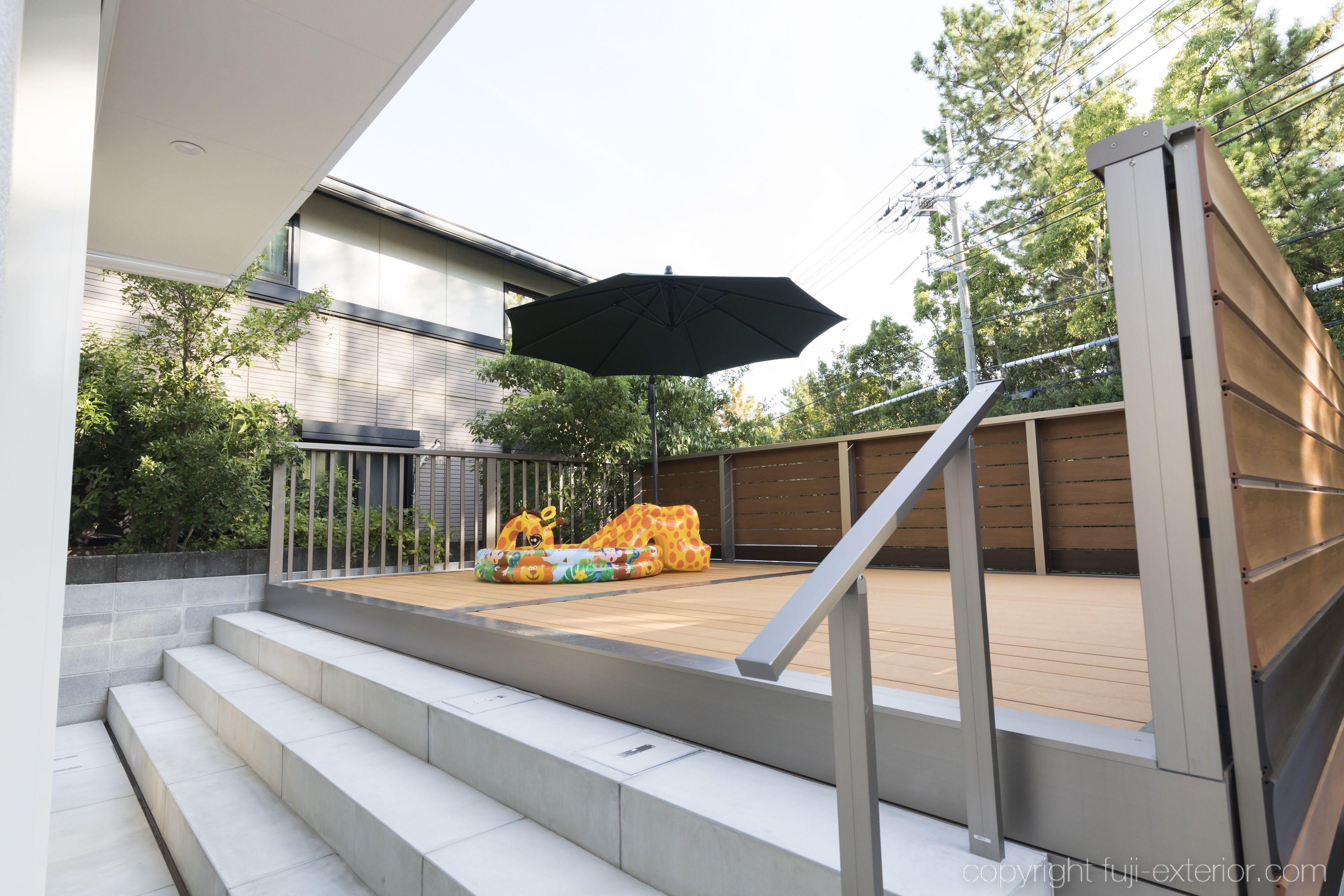 バルコニー ハンギングパラソル ガーデンパラソル 日よけ シェード ウッドデッキ 大阪 外構工事 エクステリア アウトドアリビング