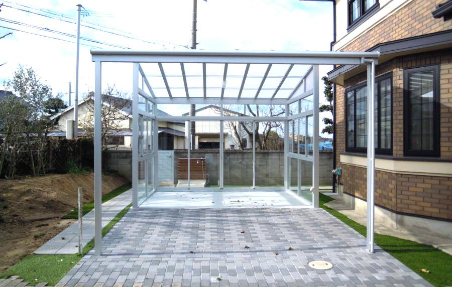 自転車置き場 兼 農作業道具を置くスペース