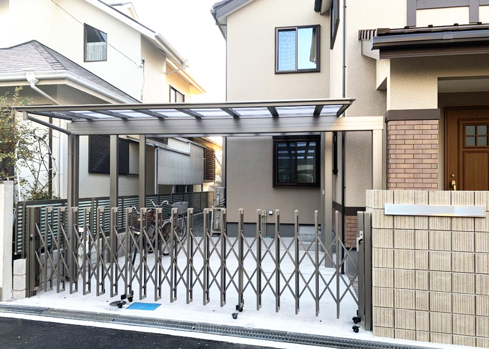 LIXIL フーゴF 大阪 おすすめ カーポート 伸縮門扉 外構