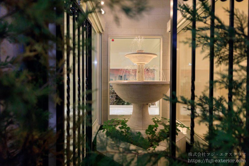 豪邸 噴水 ライトアップ