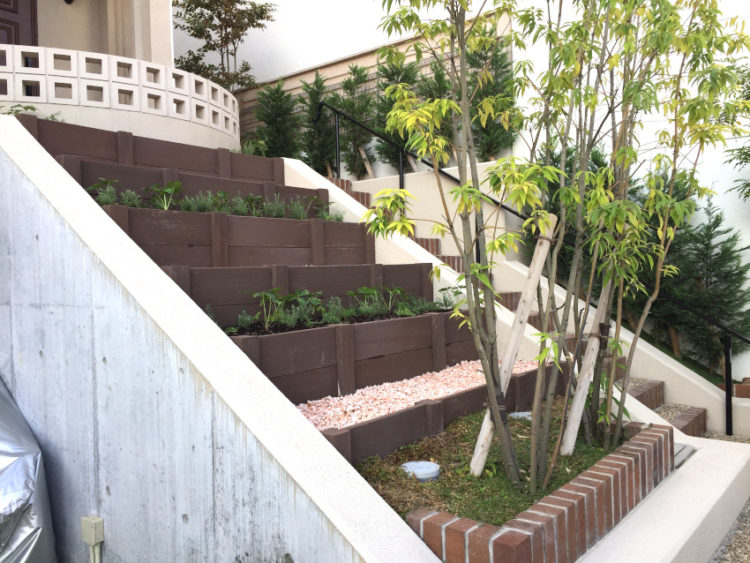 花壇 斜面 ミニガーデン 大阪 庭