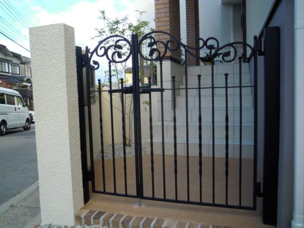鋳物 門扉