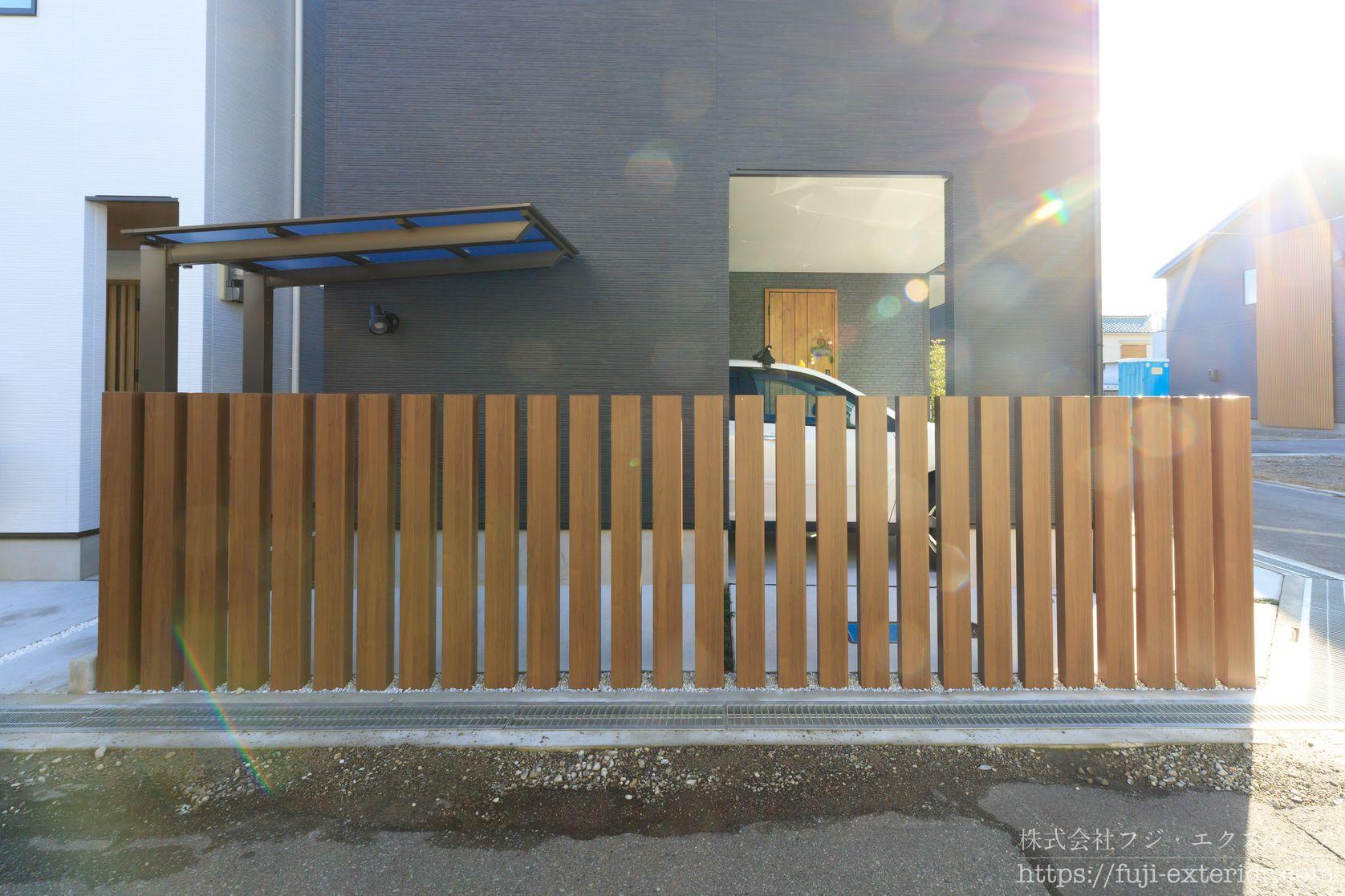 オープン外構の目隠しフェンス